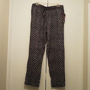 NWT Gloria Vanderbilt black/white print pants